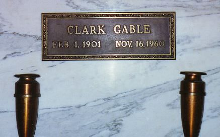 Clark Was Just Not That Old I Did Not Realize That Famous Tombstones Famous Graves Cemetery Monuments