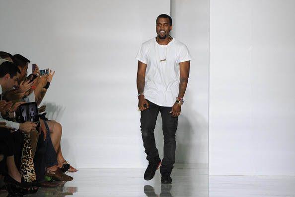 super popular 21e7d ca260 ... z5ij71ymtrxbtfuz8og9  Kanye West wearing Air Jordan 6 Infrared Paris  Fashion Week ...