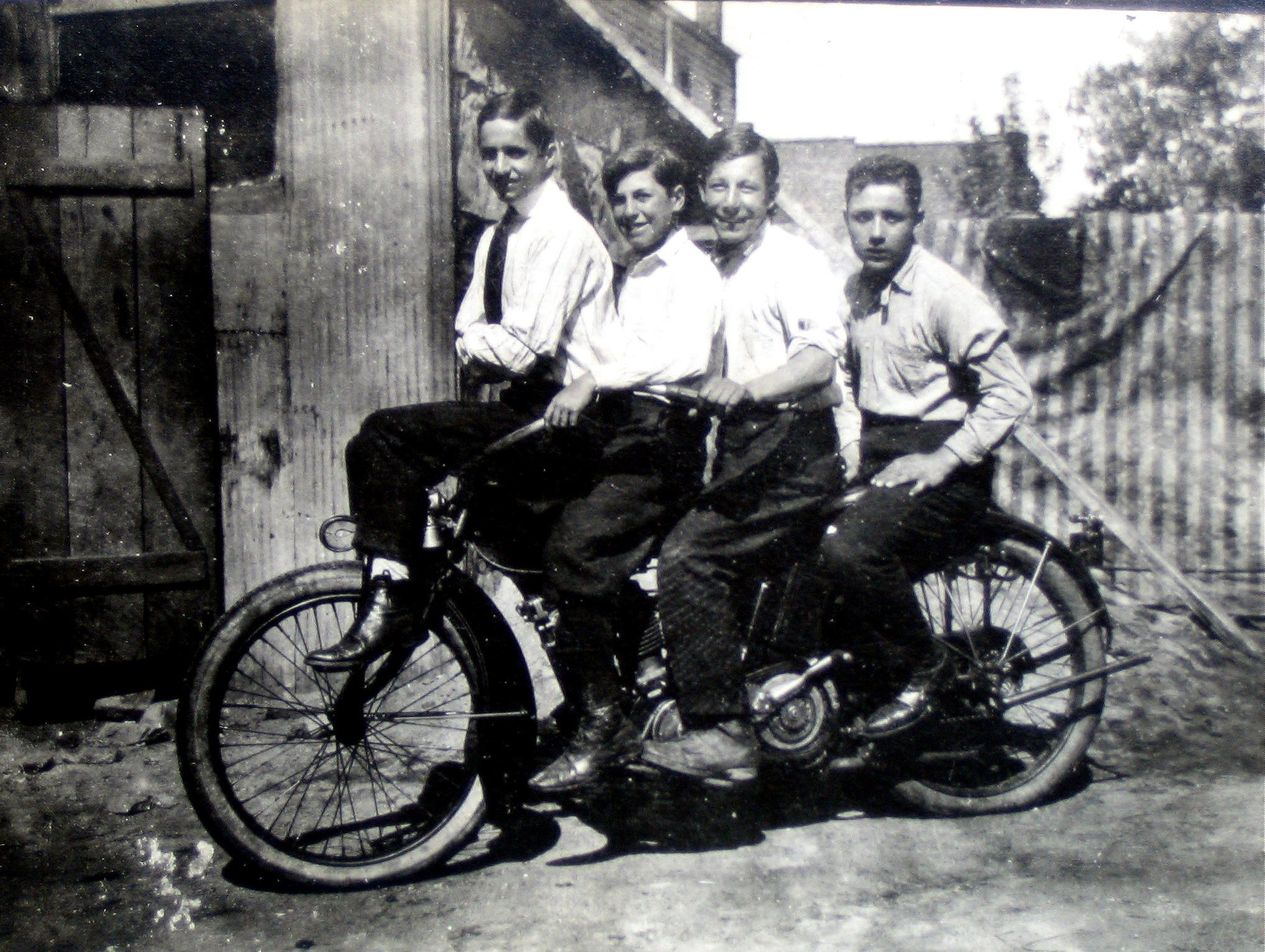 Pile On The Indian Motor Cycle 1920 S Bronx Ny Grandpa On The
