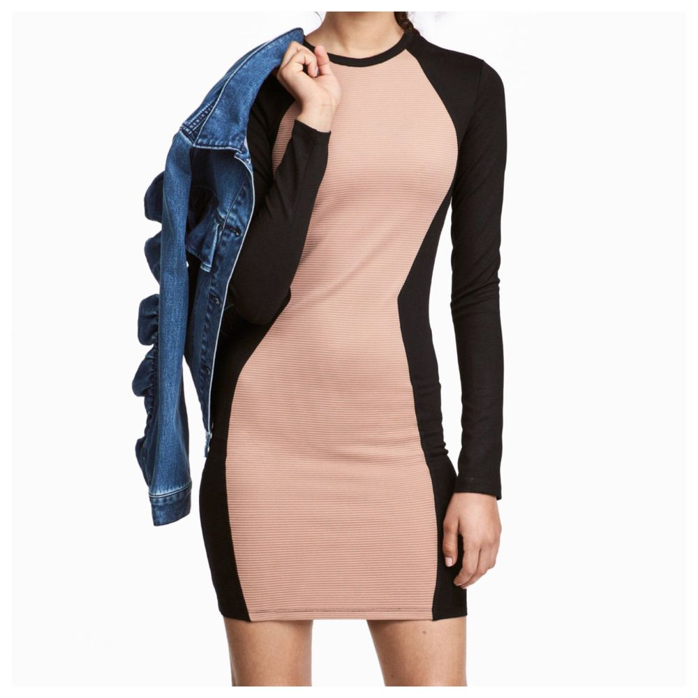 Many Styles H&M Fitted jersey dress Buy Cheap Genuine tgww9