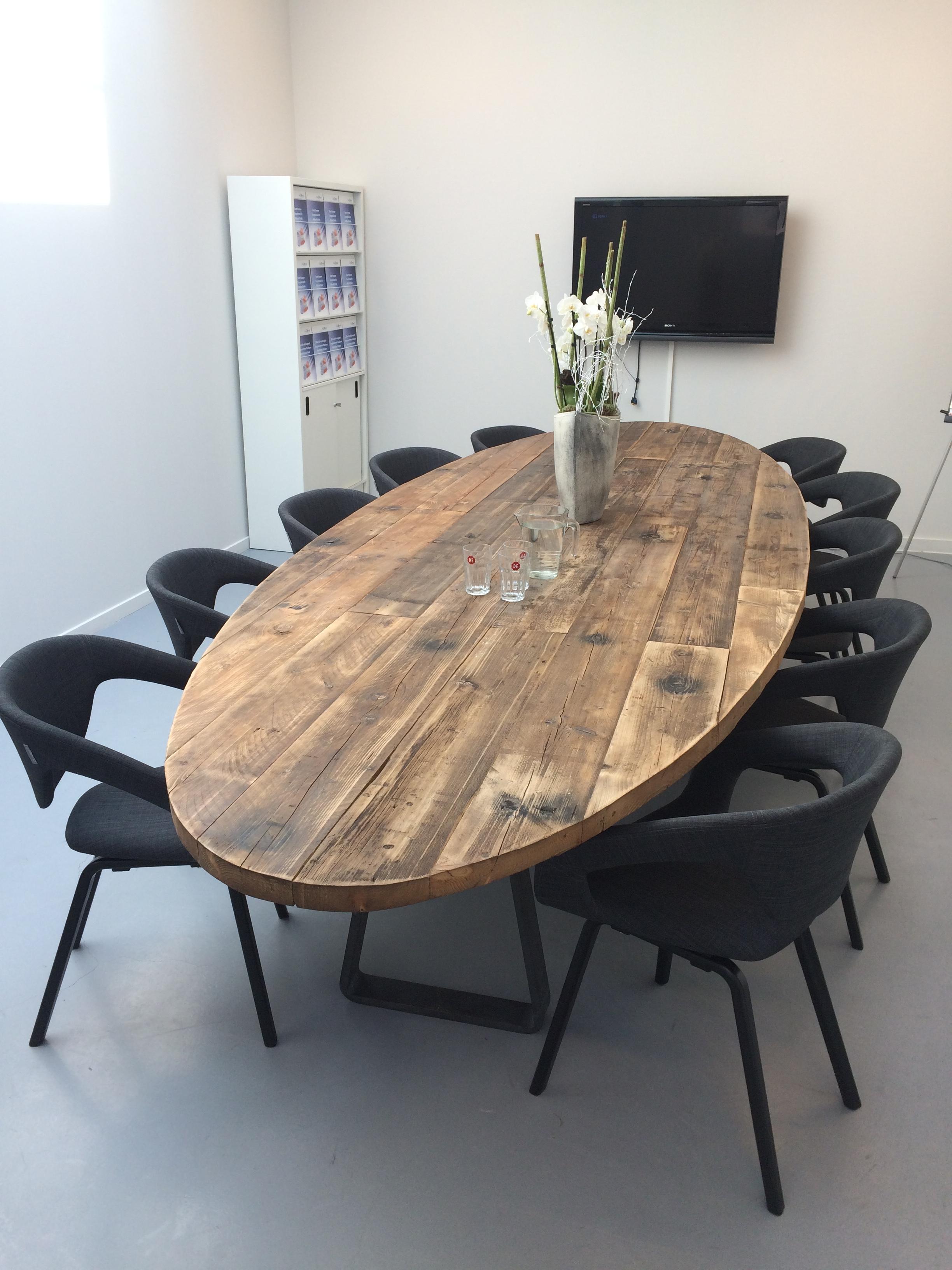 Ovale tafel op maat gemaakt woodindustries maakt het for Tafel op maat