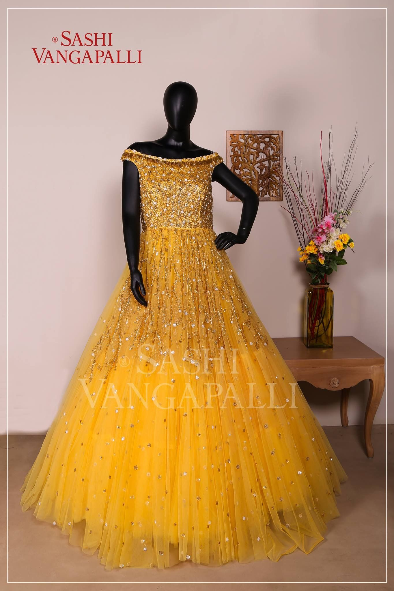 Pin by priyanka kolla on gowns in pinterest dresses gowns