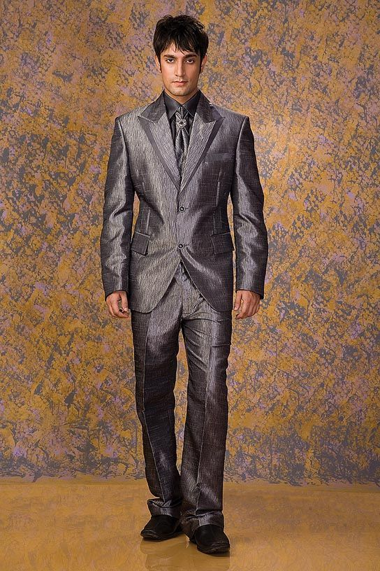 Designer Suit for Groom wedding. #Designersuits www.manawat.in ...