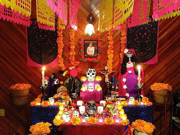 Fotos De La Semana El Color Del Dia De Muertos Ofrenda Casera