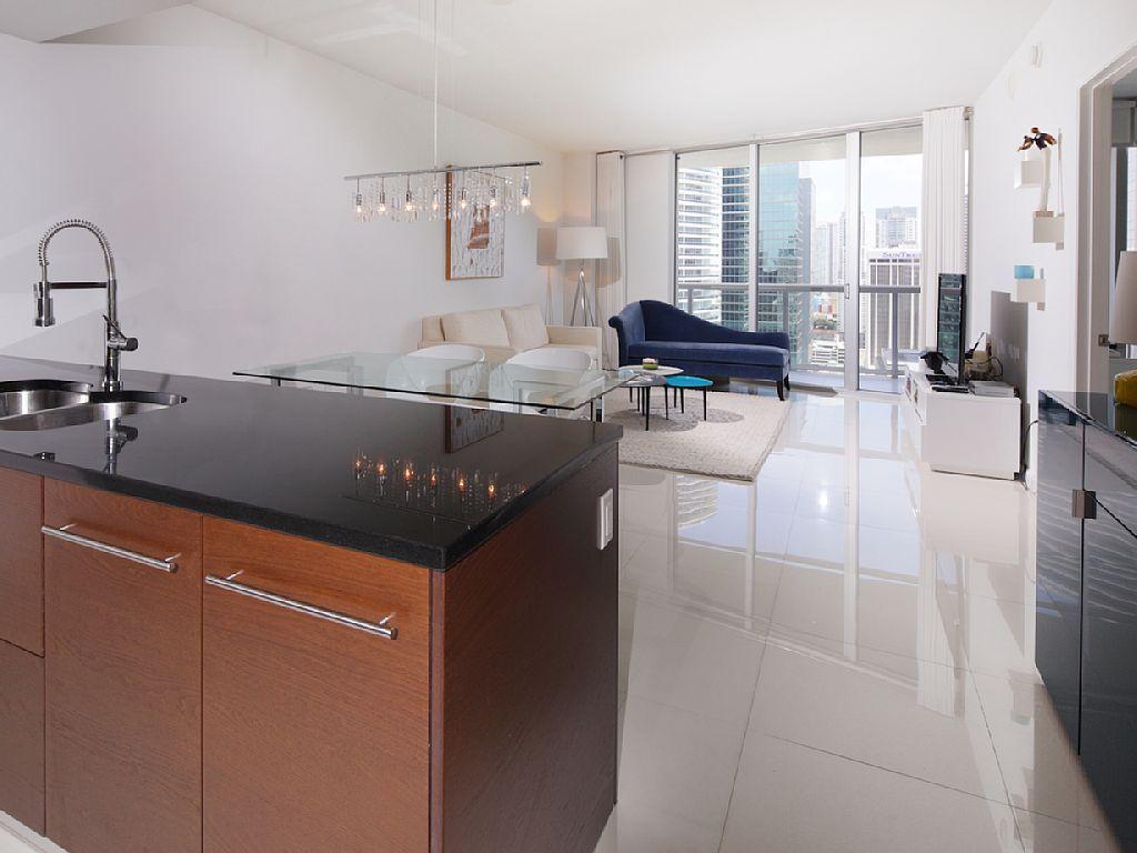 Brickell Apartment Rental: Icon Brickell, Miami  Luxe