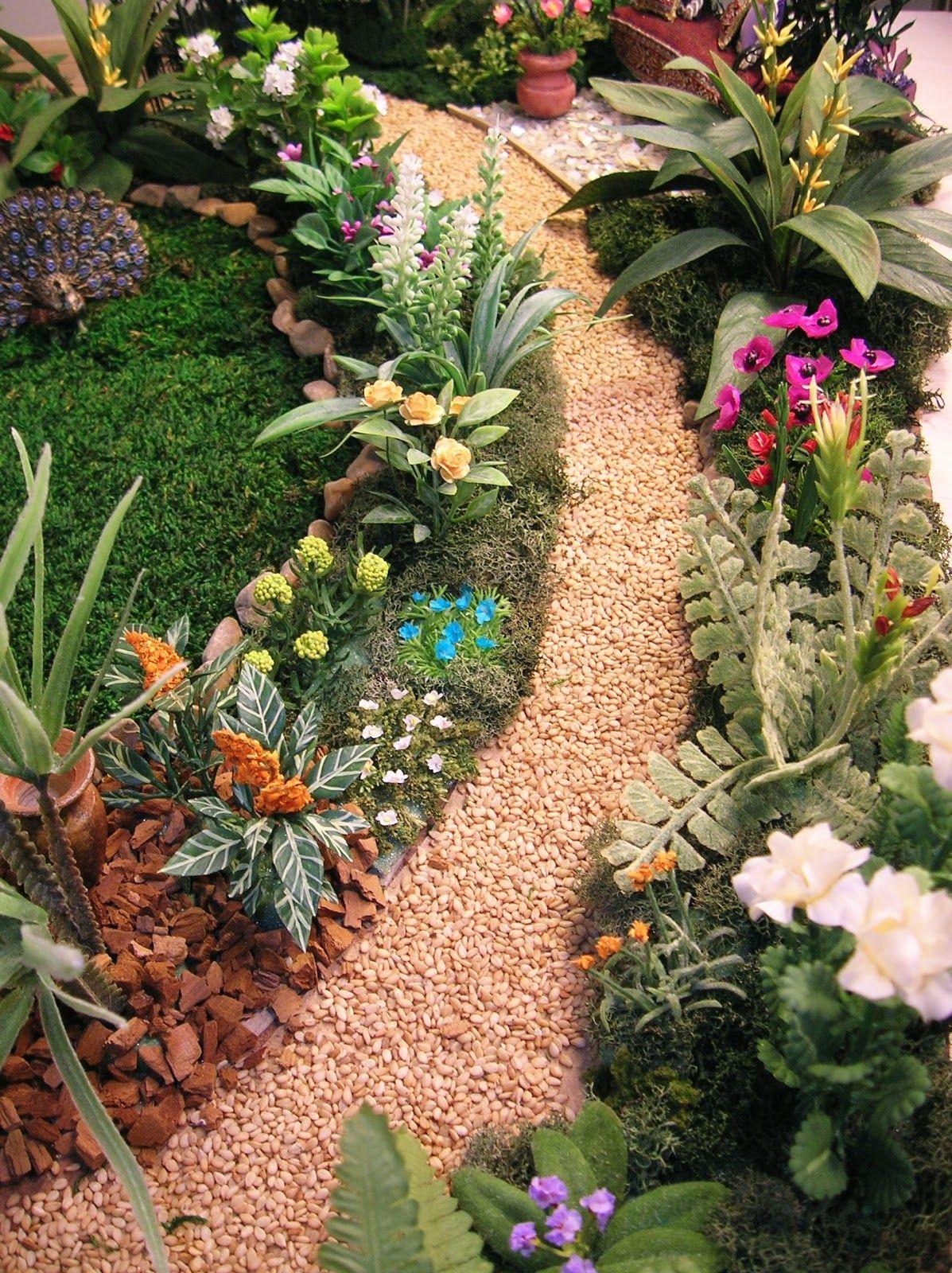 Doll house miniature garden mediterranean villa - Miniature plants for fairy gardens ...