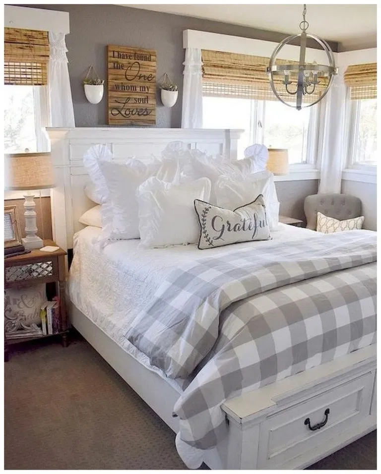50 Sleigh Bed Inspirations For A Cozy Modern Bedroom: 50+ Inexpensive Farmhouse Style Ideas For Bedroom
