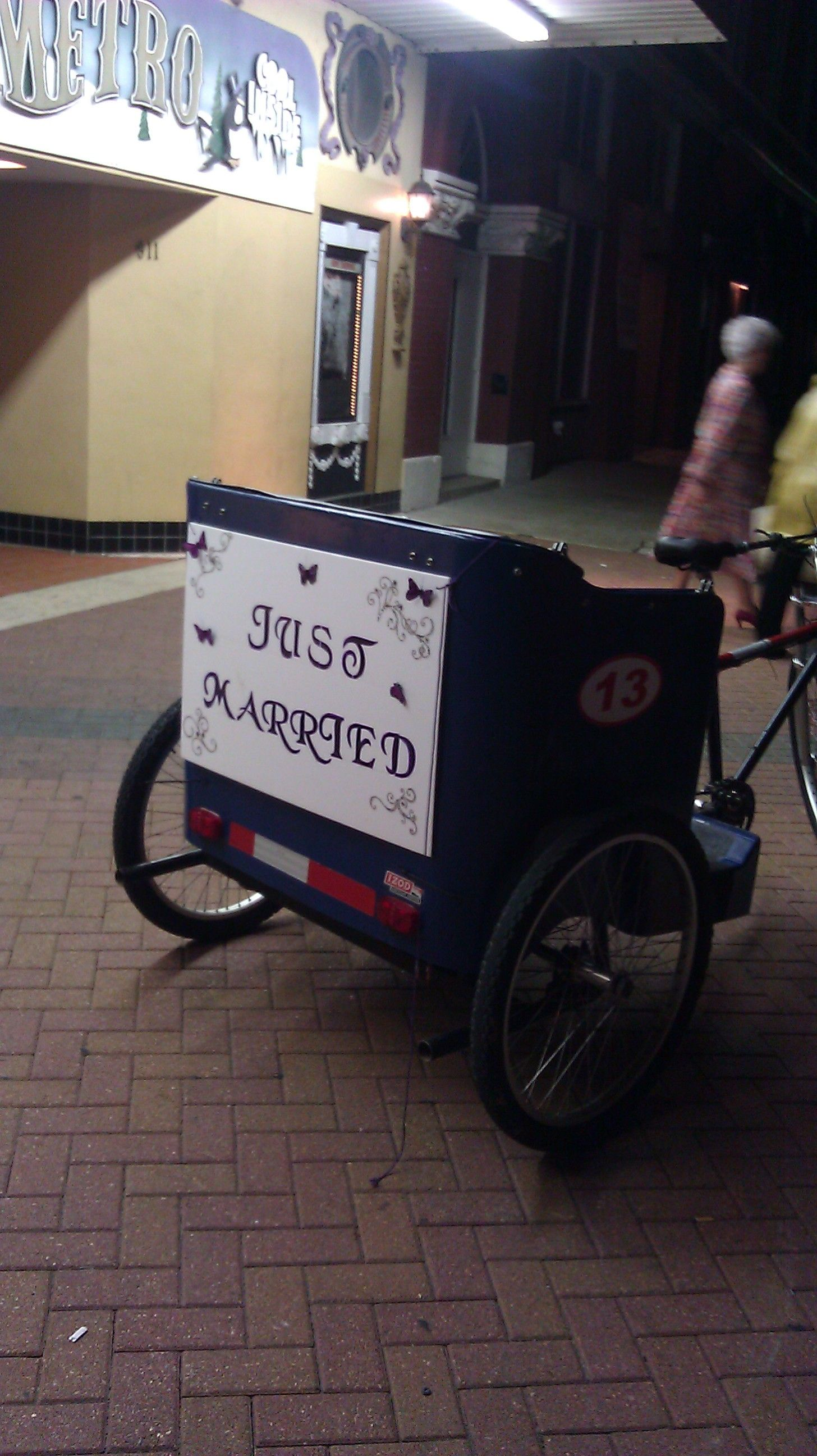 We need a pedicab to take us to our hotel!
