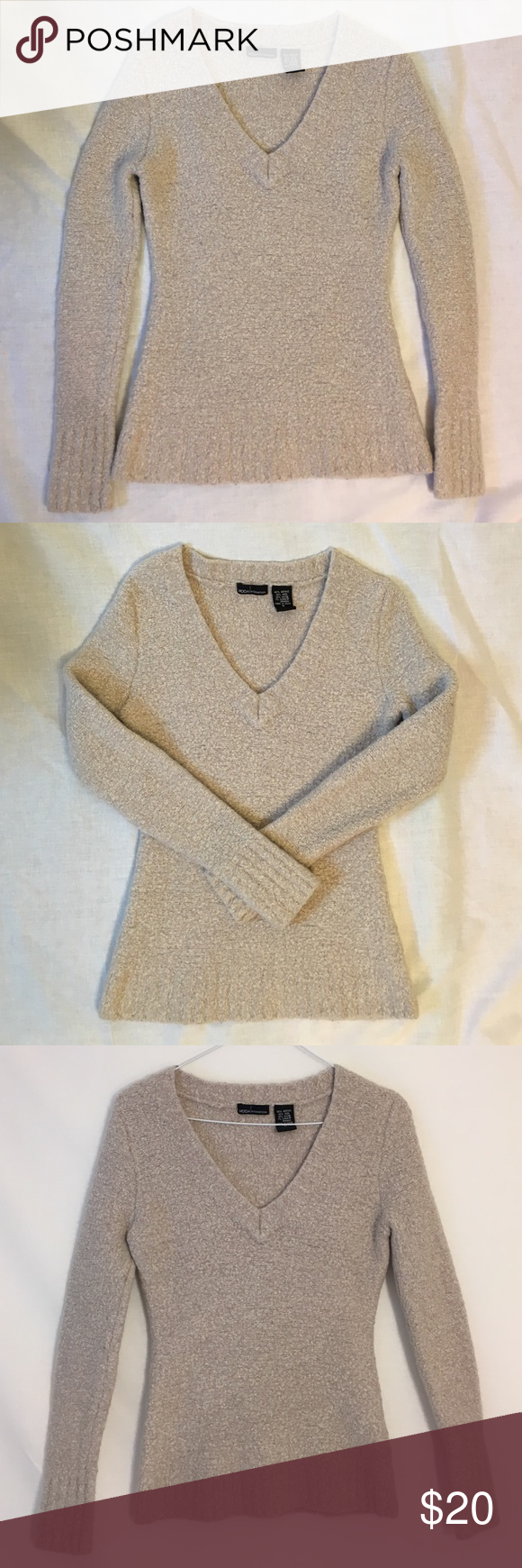 Fitted V-Neck sweater Fitted light tan V-neck sweater. Size M ...