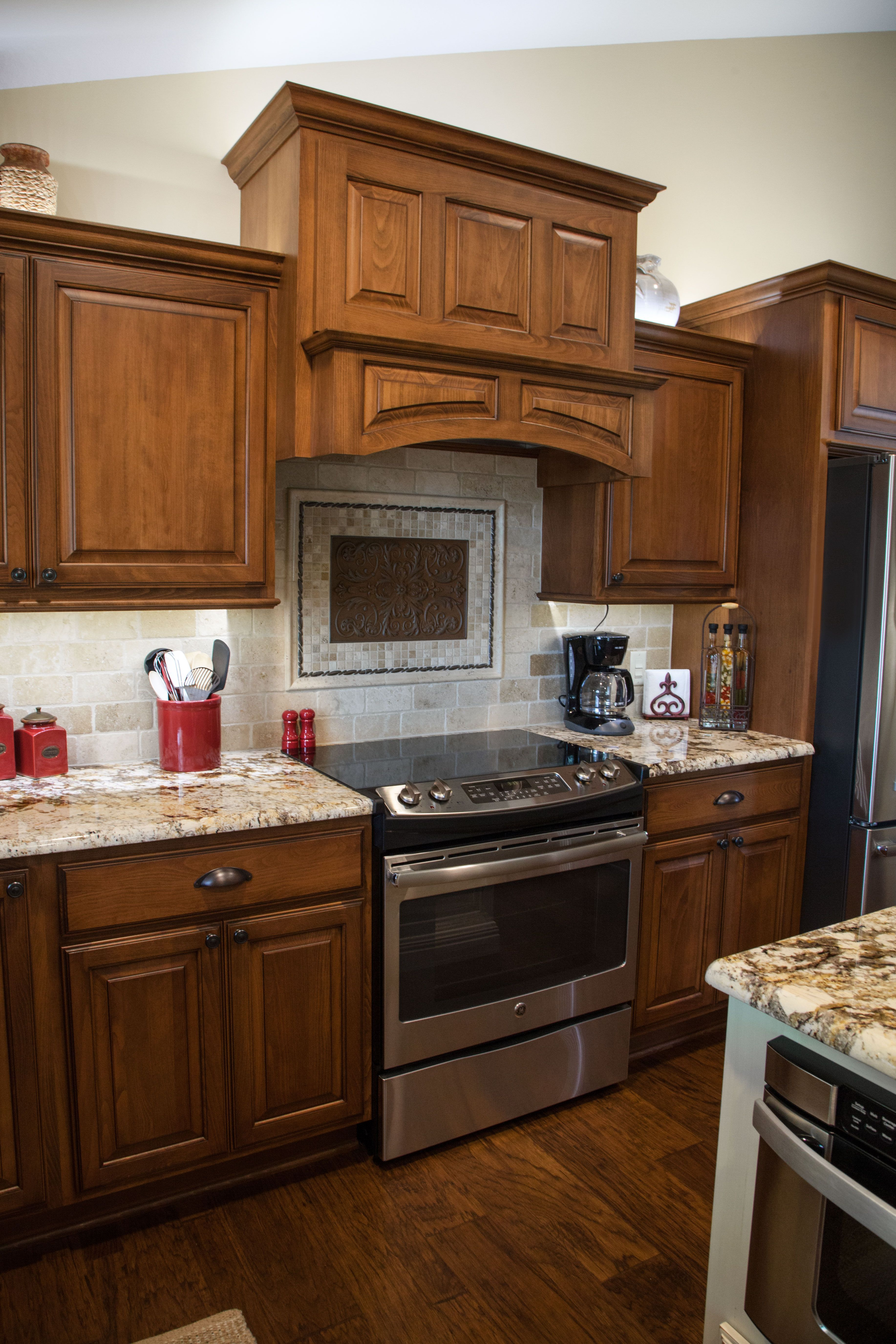 beech/sienna-burg glaze kitchen. geriba gold exotic granite