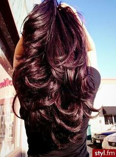 Love the violet undertones in this red brown color