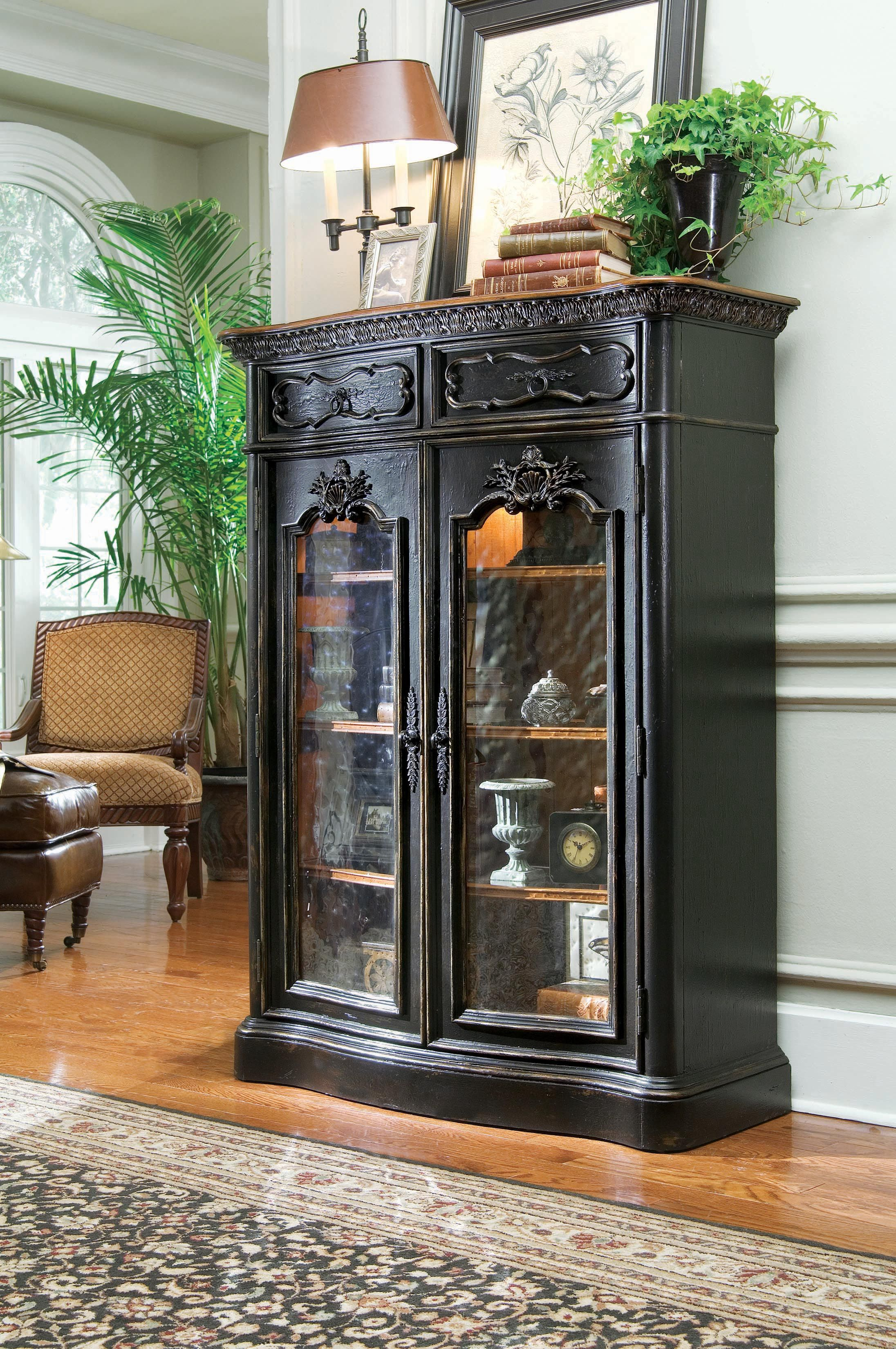 Delicieux HO 779 50 100 Hooker North Hampton Display Cabinet