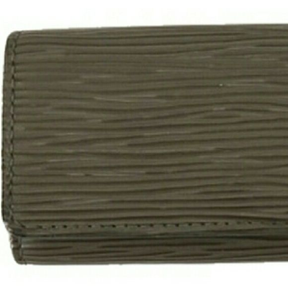 """""""Epi Key Ring Wallet  BG-#9652642"""" Louis Vuitton Epi Key Ring Wallet  Date Code: CA0051  Four key ring hooks.  Signs of wear: Creasing.   This item does not come with any extra accessories.  Please see photos for more details. Louis Vuitton Bags Wallets"""
