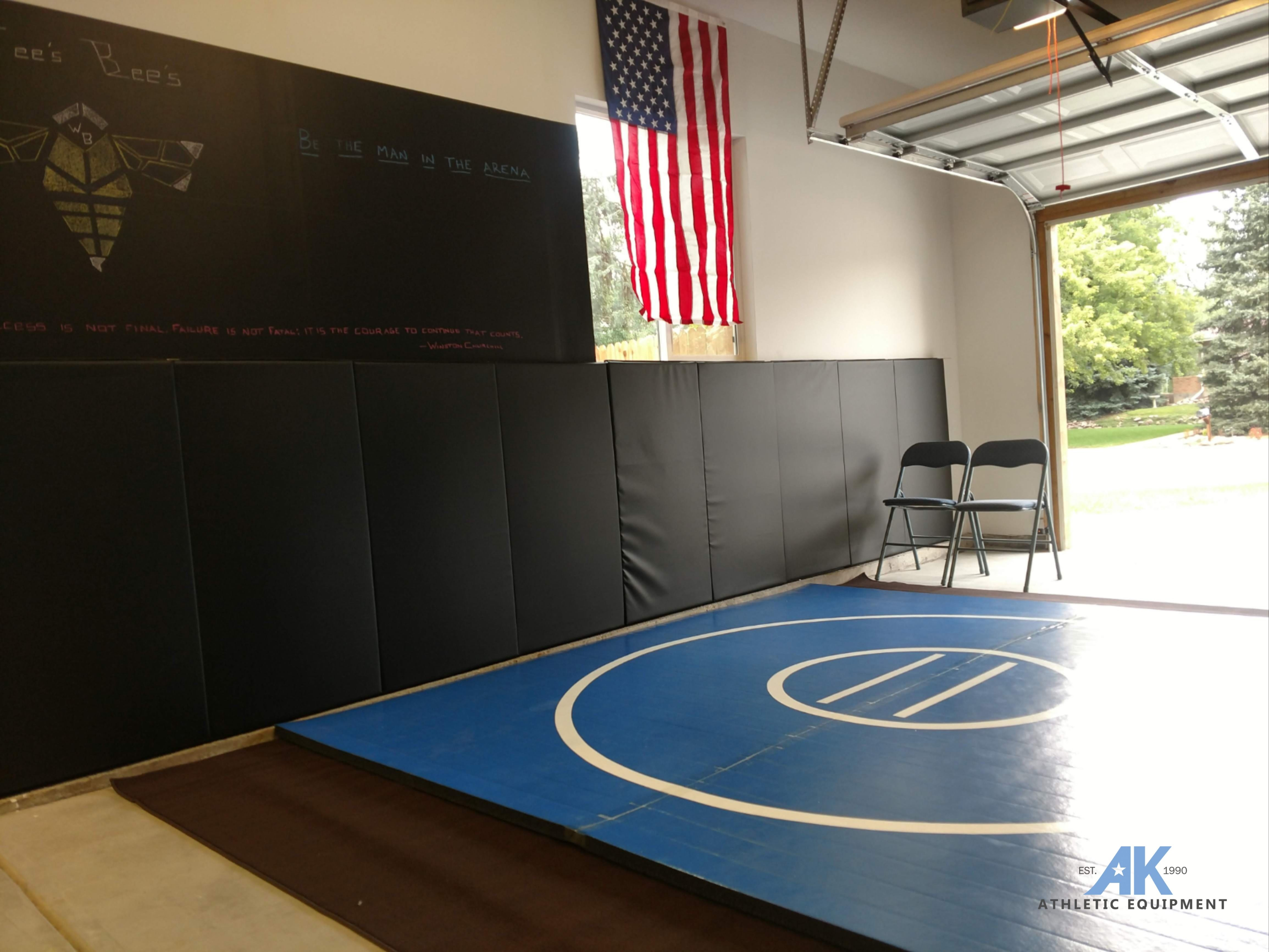 Instant Wrestling Room 10' x 10' wrestling mat and