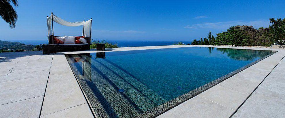 Le miroir par l 39 esprit piscine piscine 12 x 6 m for Margelle piscine miroir