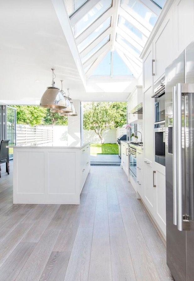 Perfect White Airy #Modern #Kitchen
