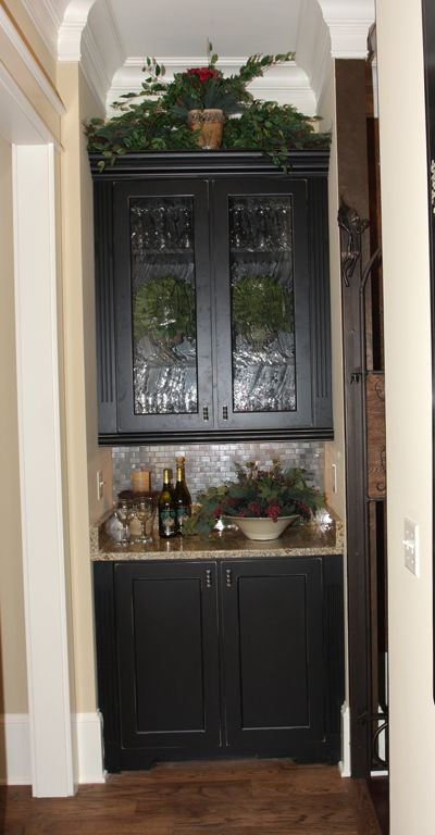 Best Classic Butler Pantry Pantry Design Kitchen Pantry 400 x 300