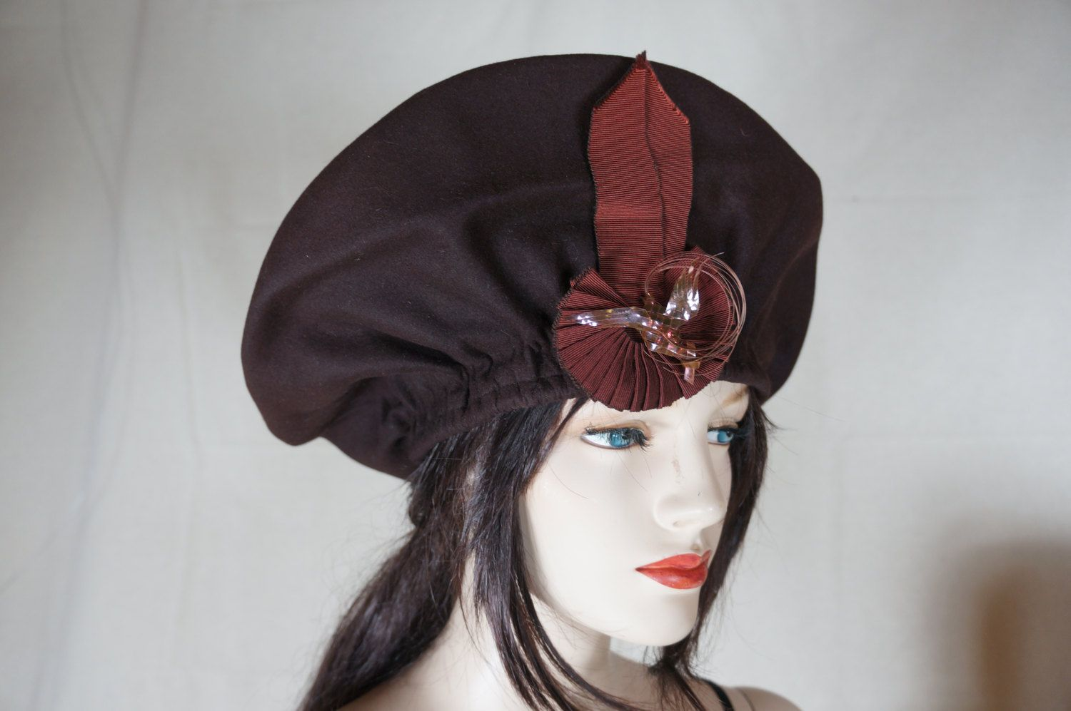 d297df3ca4a Rare 1940s Millinery Over Sized Wool Beret Architectural Hat