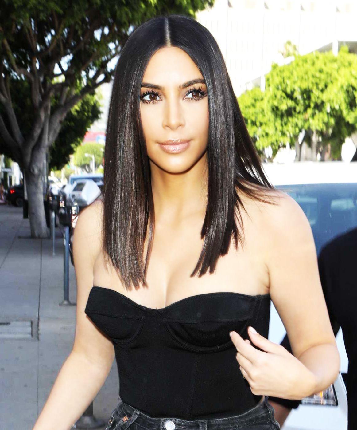 Kim Kardashian Straight Kim Kardashian Short Hair Hair Styles Kardashian Hair