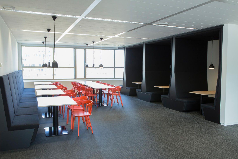Totale inrichting kantoor commvault in utrecht workspace for Inrichting kantoor