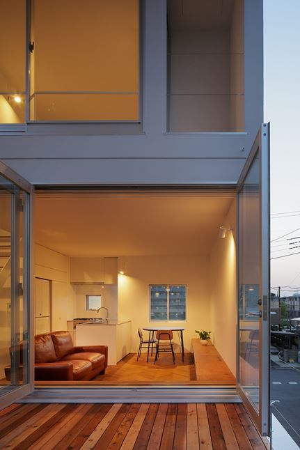 Little House with a Big Terrace Tokyo / Japan / 2015