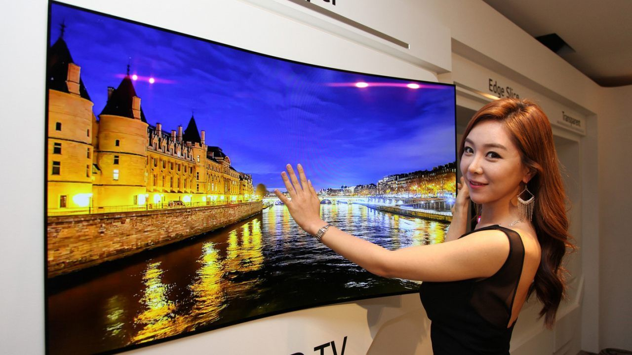 LG Plans to Showcase it's Big and Rollable OLED Panel at