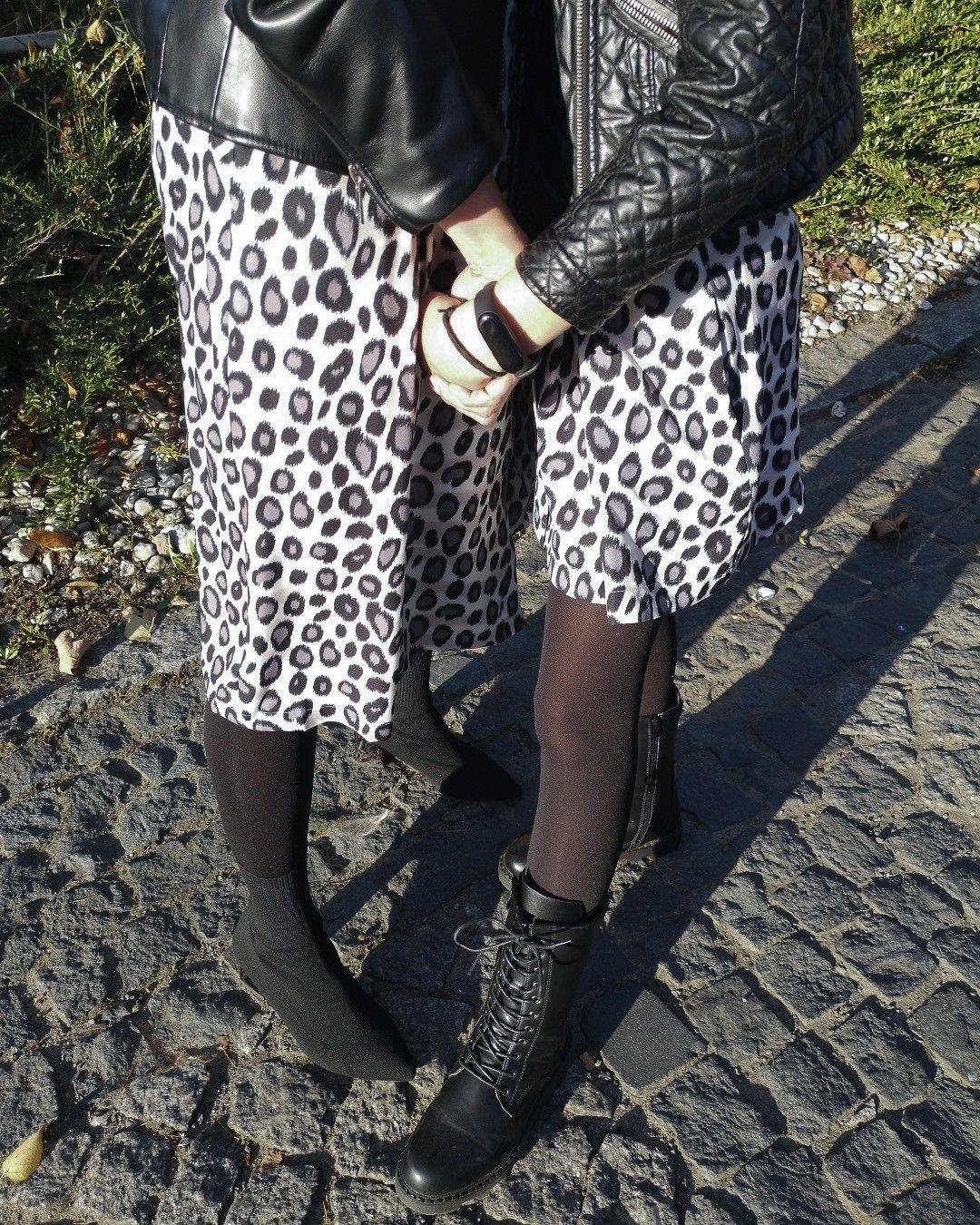 Co Sprawia Ze Zwierzece Wzory Wciaz Wracaja Na Szczyt Modowych Trendow Sa Intrygujace Dodaja Stylizacji Pazura Pasuja Kobietom Fashion Skirts Sequin Skirt