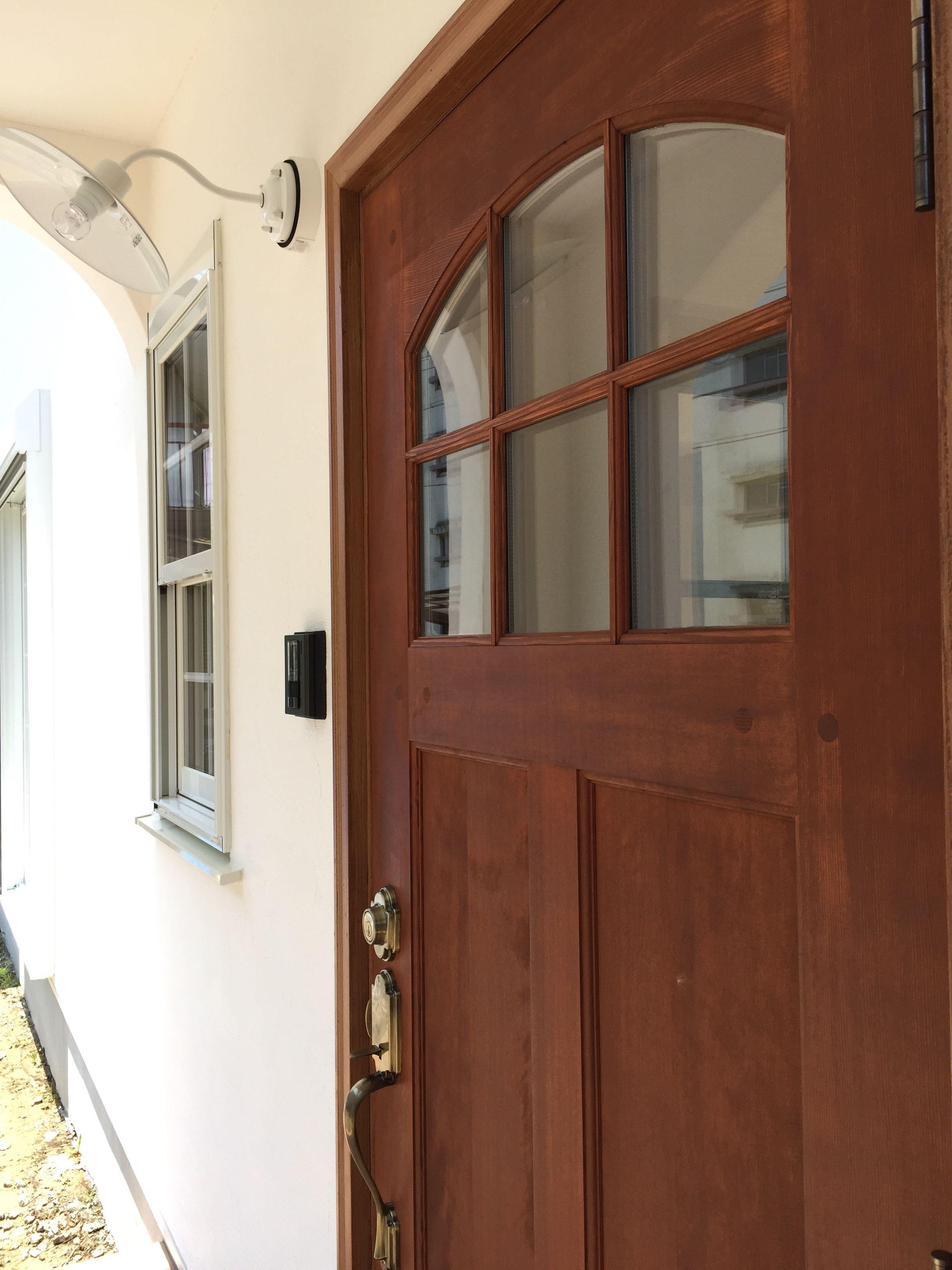 シンプソン玄関ドア 玄関ドア 無垢の家 家