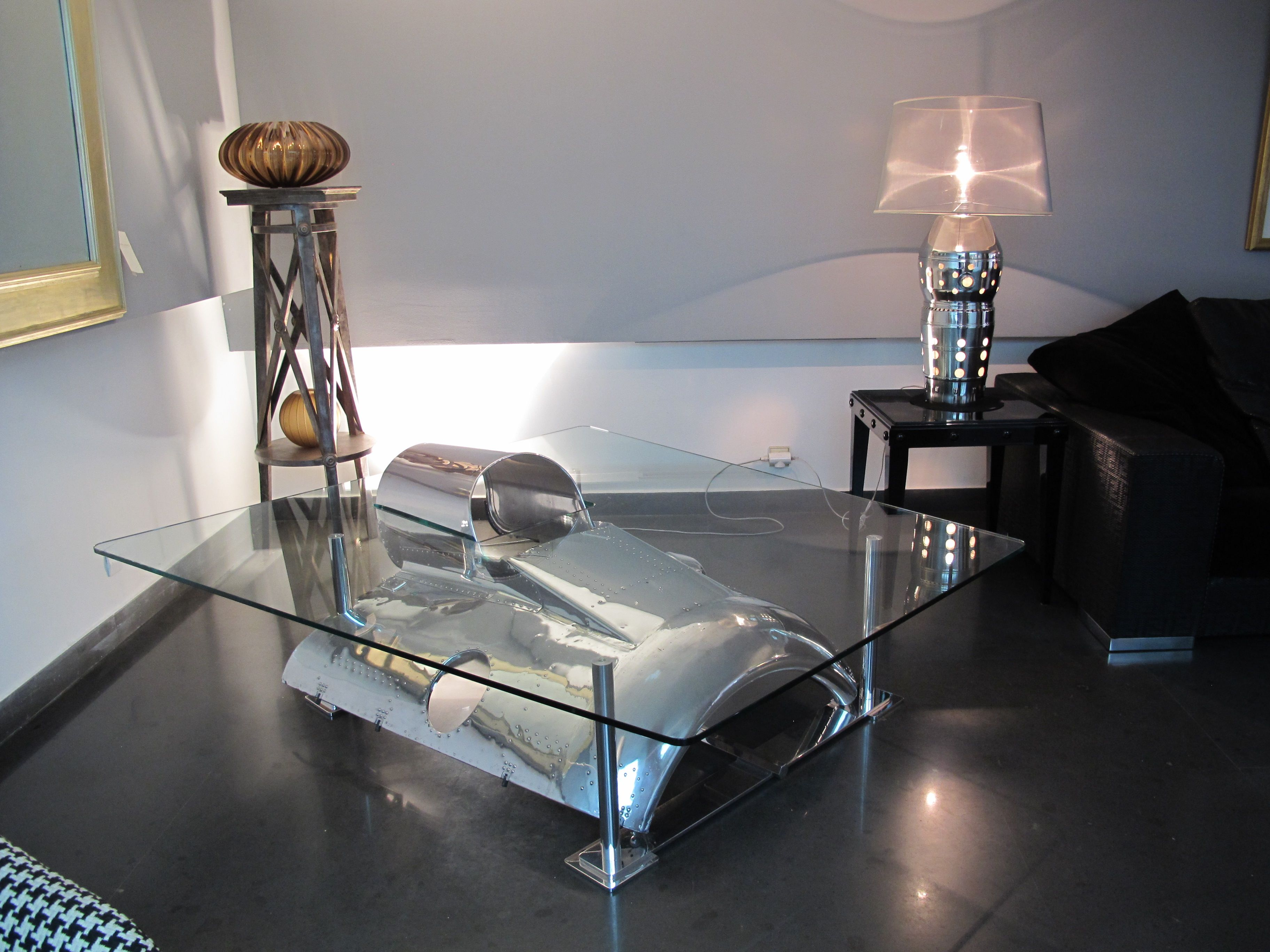table basse moteur avion table design table basse design avion pinterest moteur avion. Black Bedroom Furniture Sets. Home Design Ideas