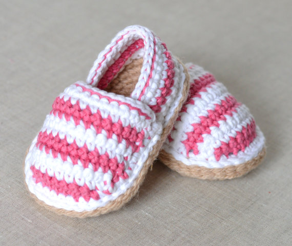 CROCHET PATTERN for Baby Espadrilles with Stripes - This listing is for a PATTERN written in ENGLISH and not a finished item. Discounts offered for bulk purchases of patterns - just enter code at checkout- 2 patterns for $10.00:code 24NINE 3 patterns for $14.00: 34FOURTEEN 4 patterns for $17.00: 44SEVENTEEN 5 patterns for $22.00: 54TWENTYTWO 6 patterns for $26.00: 64TWENTYSIX 7 patterns for $30.00: 74THIRTY 8 patterns for $33.00: 84THIRTYTHREE  All my baby shoe patterns can be seen here…