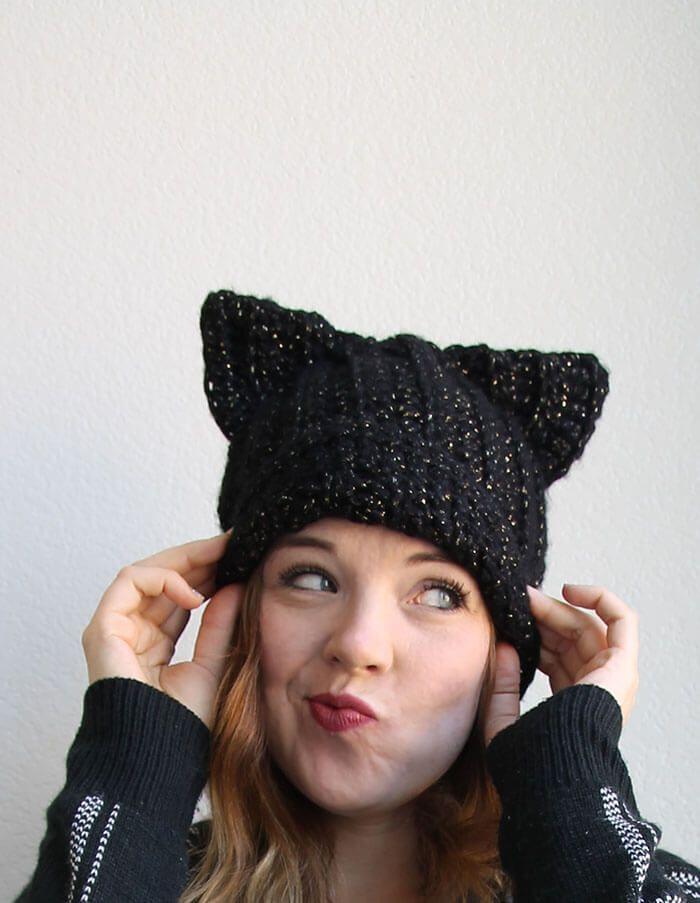 Black Cat Slouch Hat - Free Crochet Cat Hat Pattern   Gorros, Gorro ...