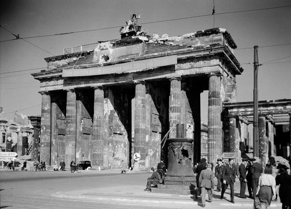 August 1945 Brandenburger Tor
