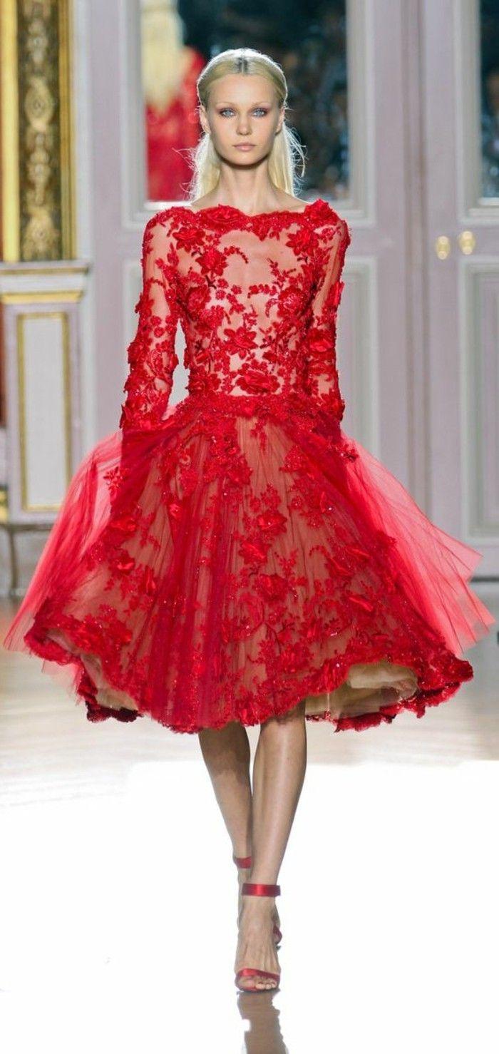 Longue robe rouge haute couture