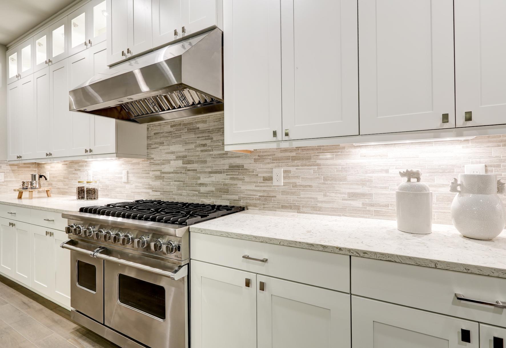 Best Quick Fixes To Modernize Your Kitchen Hometech Kitchen 400 x 300