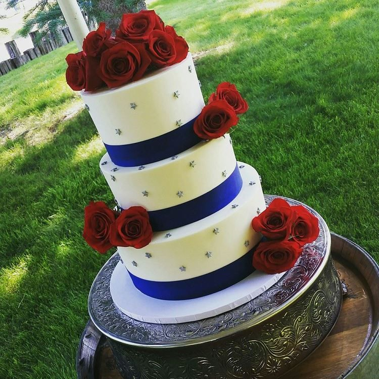 4th Of July Wedding Cake! Fitting!