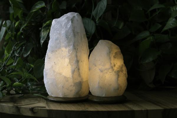 Rare White Himalayan Salt Lamp Set So Well In 2020 White Himalayan Salt Lamp Himalayan Salt Lamp Salt Lamp