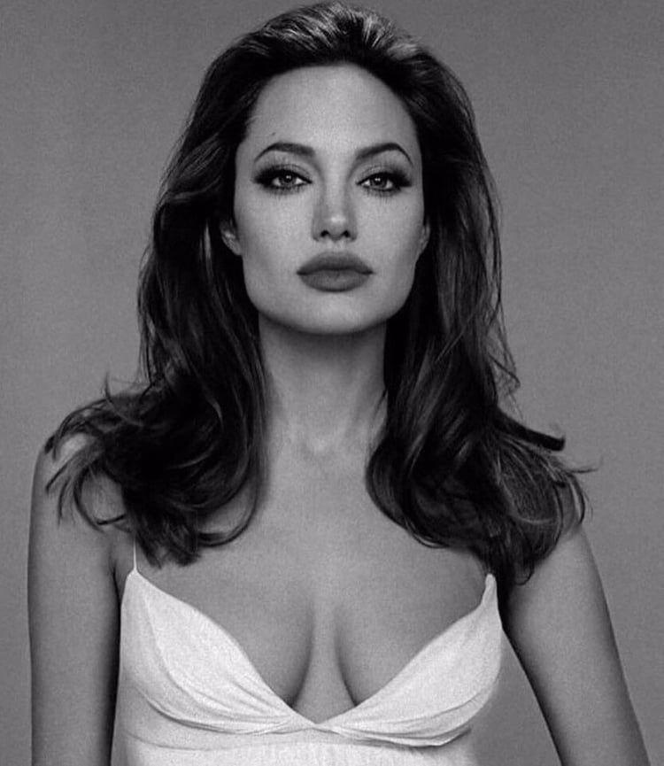 Celeb crush ! shared by Alex on We Heart It -  HAFSA  - #Alex #AngelinaJolie #Celeb #CelebrityStyle #crush #heart #HollywoodActresses #littletattooideas #shared #skulltattoo #unusualtattoos