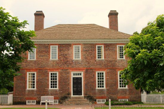 Homes Of Colonial Williamsburg Va One Hundred Dollars A Month Colonial Williamsburg Colonial House Exteriors Colonial House