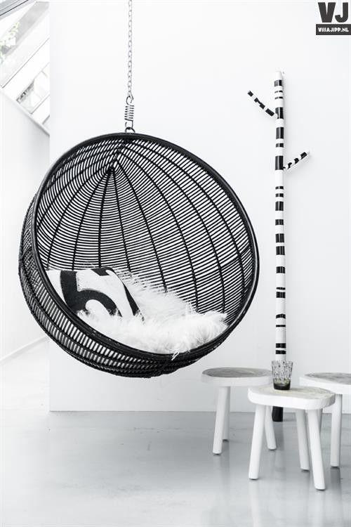 Design Hangstoel Binnen.Zwarte Hout Kunststof Design Hangstoel Voor Binnen Eigen Kamer