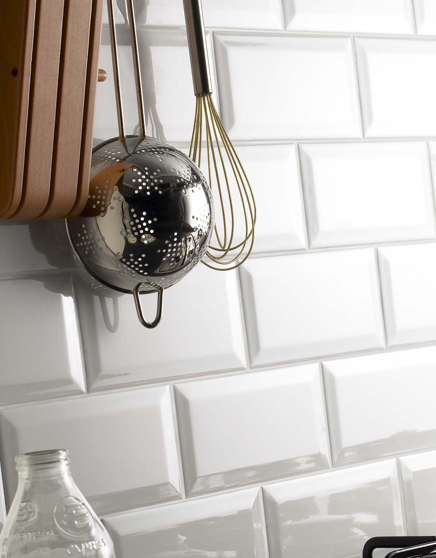 Metro Tiles White Chapel A Collection Of Popular Bevelled Edge
