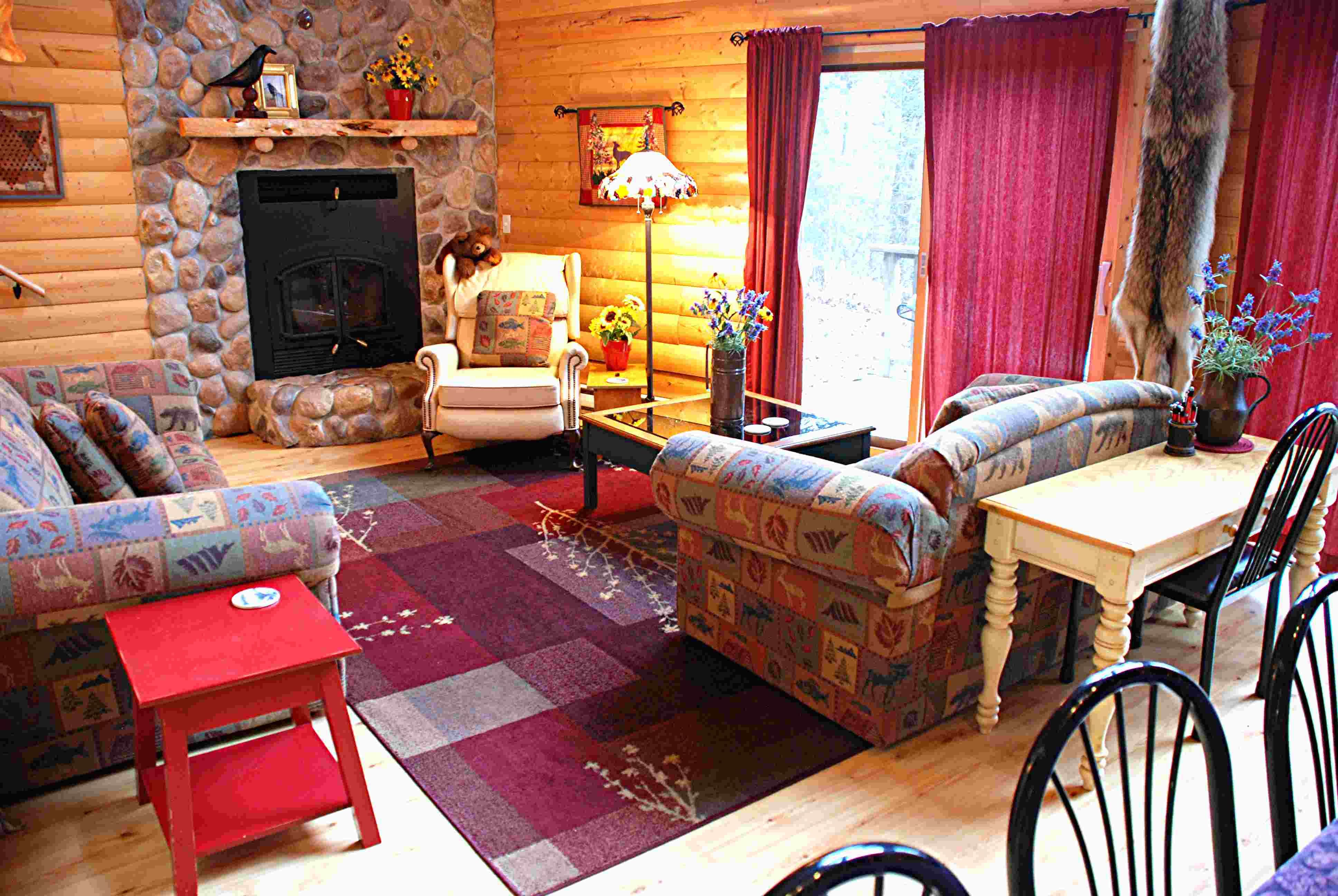 interior davis rental oklahoma broken minnesota bow cabins rent romantic on the bthrooms cabin livg totl water southeast for