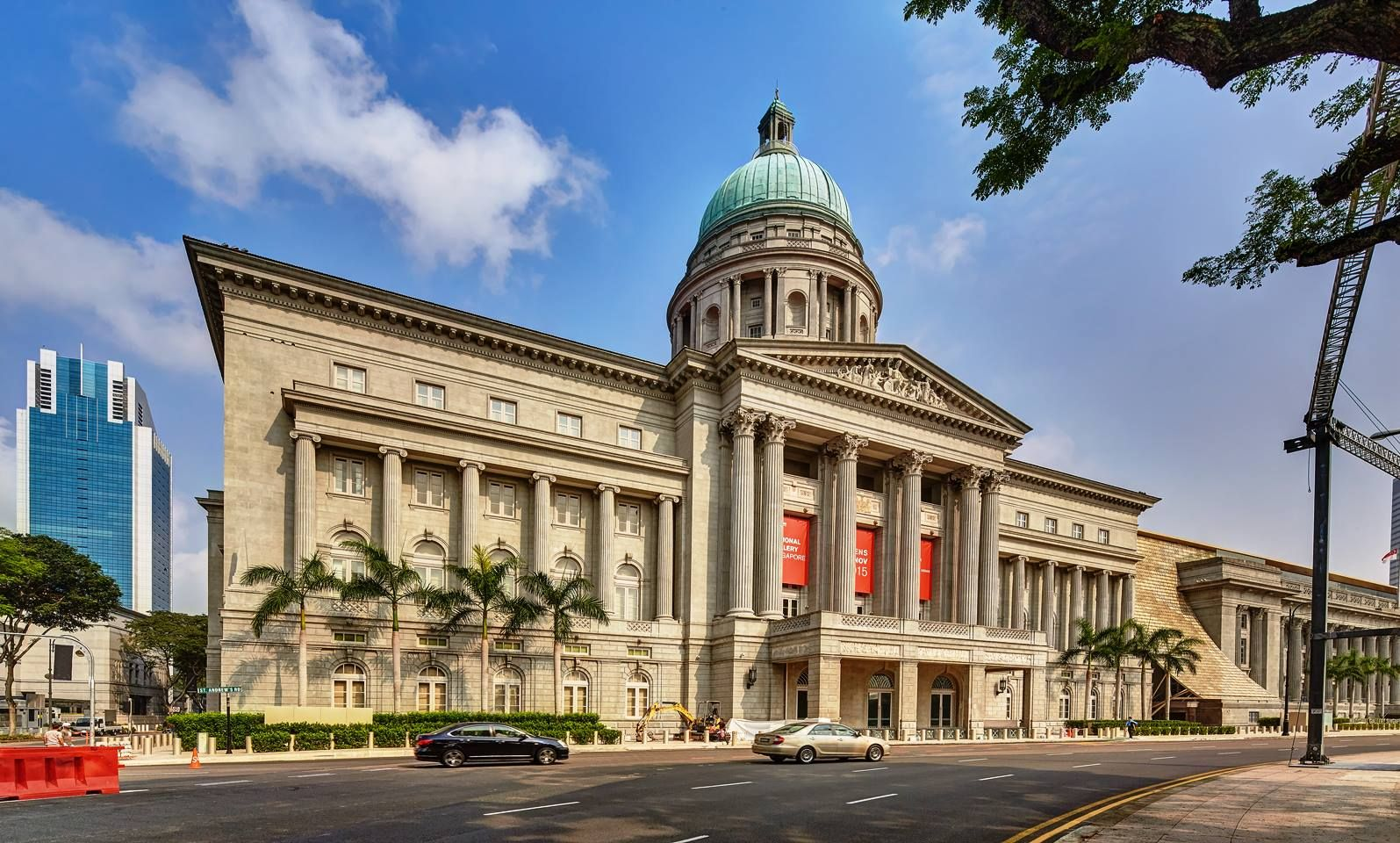 National Gallery Singapore The National Gallery Singapore Occupies Two Historic Buildings The Former City Hall And Supr Building Historic Buildings Singapore