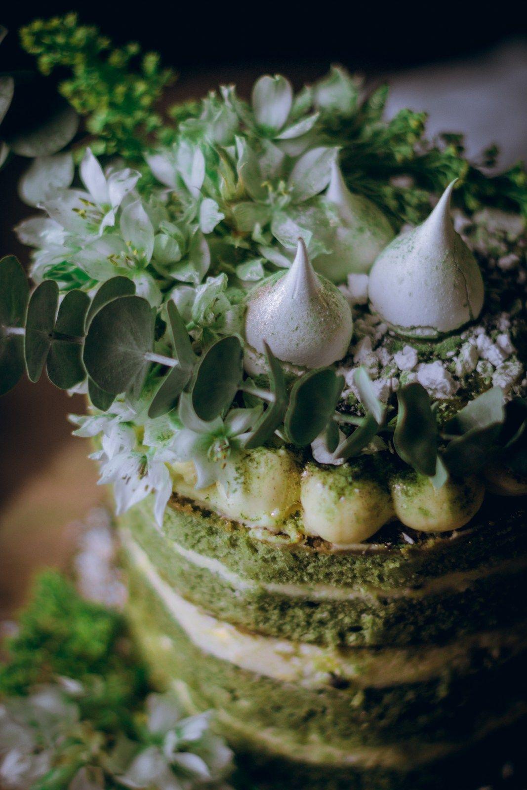 Green Velvet Matcha Green Tea Naked Cake with Passion Fruit Curd & Lemon Zest Cream Cheese Frosting | elciervo