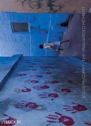 Steve McCurry: The Unguarded Moment von Steve McCurry, http://www.amazon.de/dp/0714846643/ref=cm_sw_r_pi_dp_CglSqb1V4YMYX