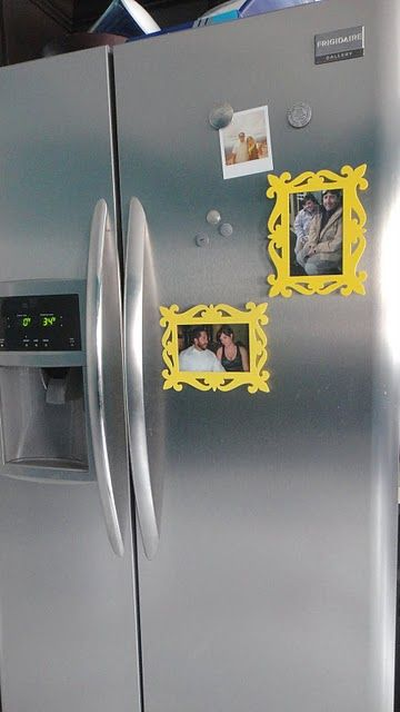 A DIY project: magnetic picture frames for the fridge