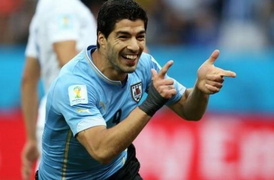 Uruguayos compran 500 boletas al dia por regreso de Luis Suarez.