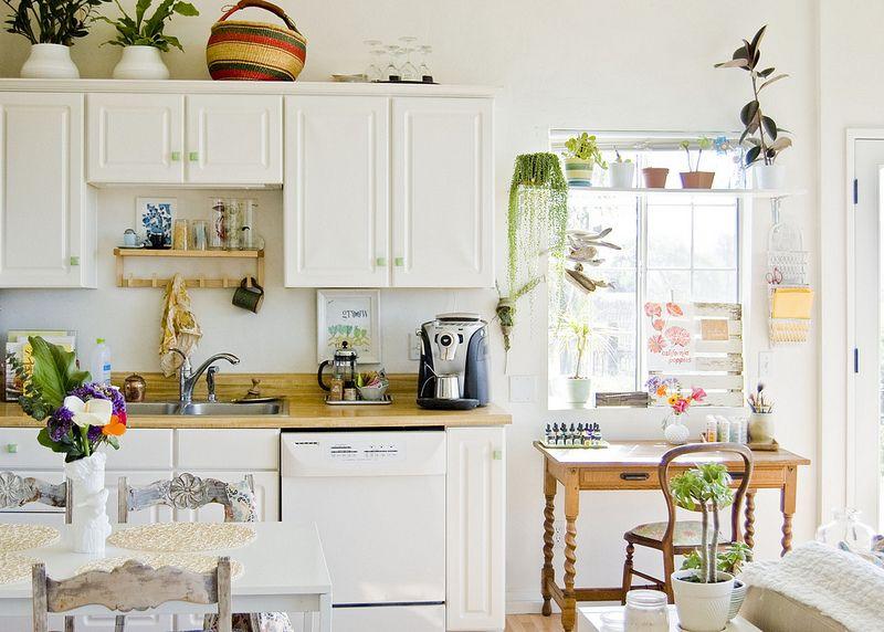 White... Kitchen... Perfect...