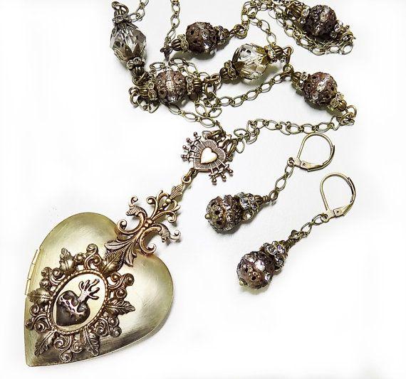 Locket sacred heart pendant seven sorrows locket mary locket locket sacred heart pendant seven sorrows locket mary locket sacred heart locket catholic jewelry ex voto heart seven sorrows aloadofball Images