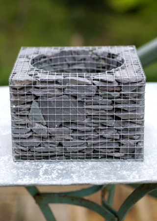 Wire Cube Planter With Slates Planters Diy Fire Pit
