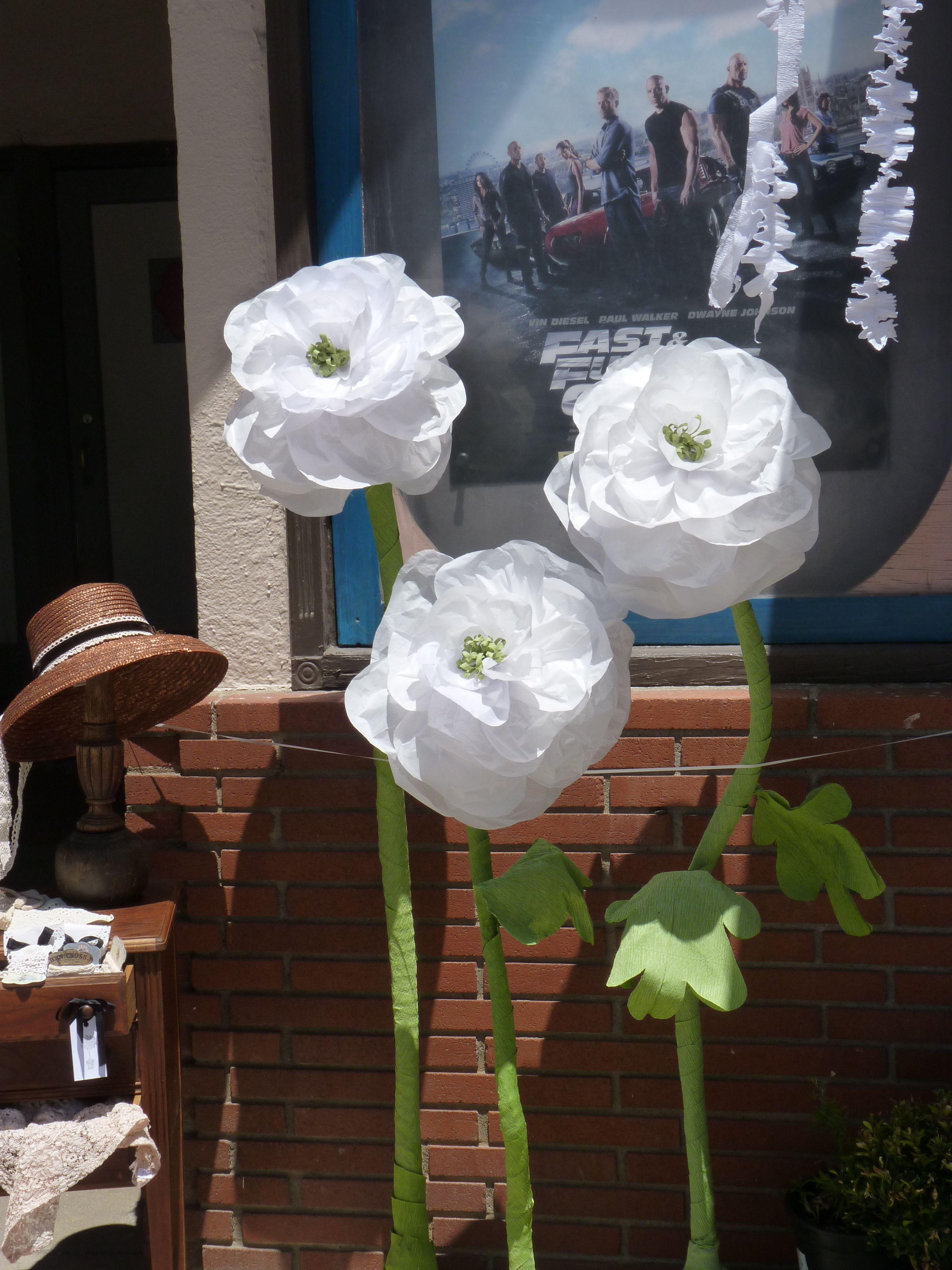 Giant Tissue Paper Flowers By Emilys Garden Flores Para Decorar